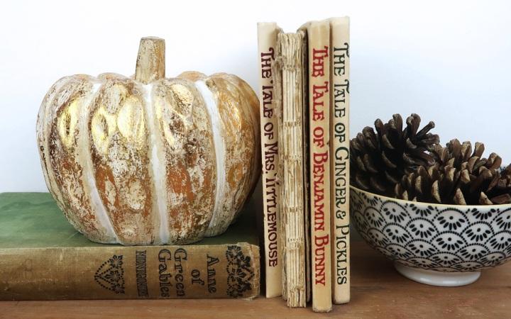 autumn pumpkin display