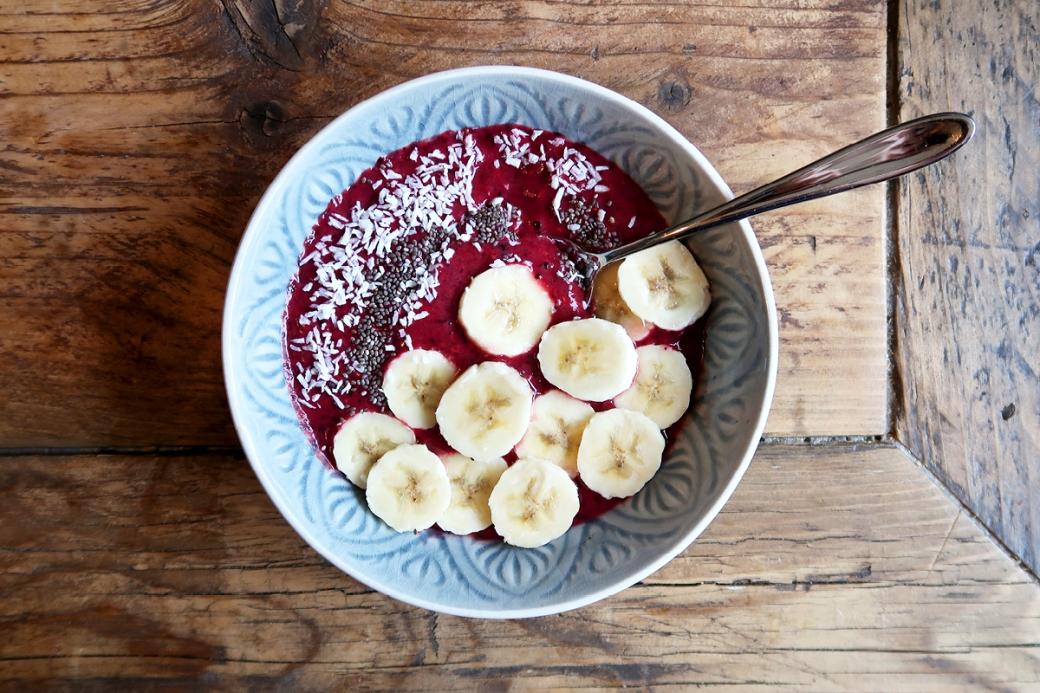 simple smoothie bowl banana raspberry blueberry